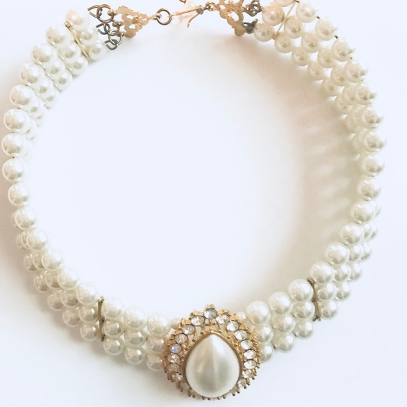 Vintage Pearl Necklace Choker